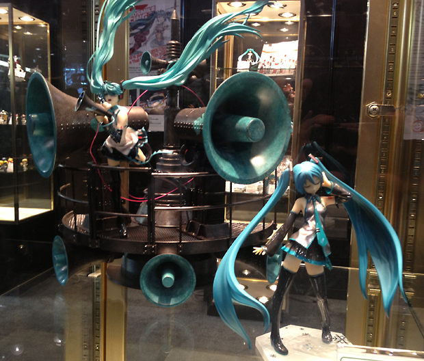 Hey for once I'M the guy taking the picture of the cool figure in the glass case
