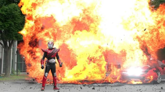 [Over-Time] Kamen Rider Drive - 01 [26657870].mkv_snapshot_21.23_[2014.10.08_22.58.14]