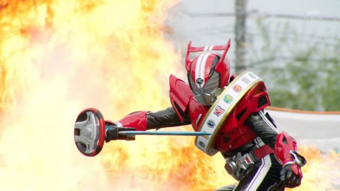 [Over-Time] Kamen Rider Drive - 04 [CC0A2CE2].mkv_snapshot_20.28_[2014.10.29_23.43.46]