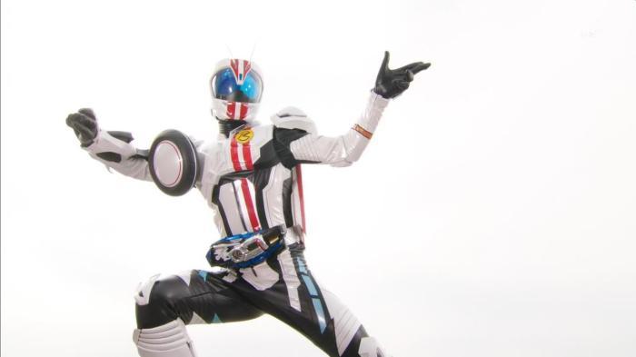 [Over-Time] Kamen Rider Drive - 13 [F5E45D16].mkv_snapshot_17.51_[2015.01.16_23.33.00]