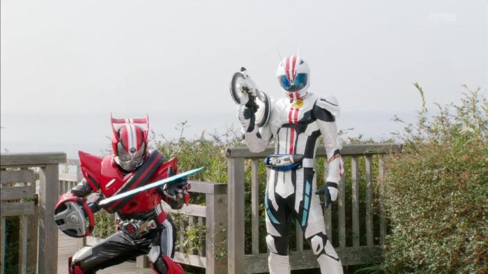 [Over-Time] Kamen Rider Drive - 15 [0AEC4B58].mkv_snapshot_16.59_[2015.01.29_01.01.55]