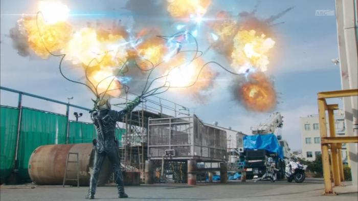 [Over-Time] Kamen Rider Drive - 18 [B6D80307].mkv_snapshot_17.48_[2015.02.18_23.48.23]