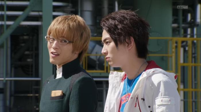 [Over-Time] Kamen Rider Drive - 29 [BA6951EC].mkv_snapshot_19.16_[2015.05.14_14.03.49]