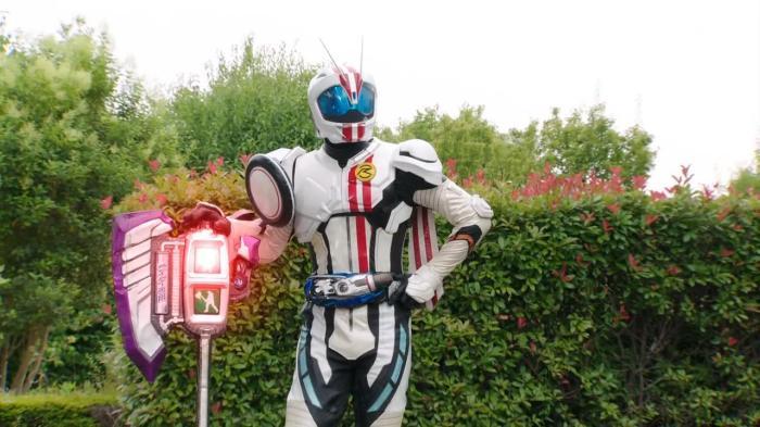 [Over-Time] Kamen Rider Drive - 39 [464B41CC].mkv_snapshot_12.28_[2015.08.11_21.31.36]