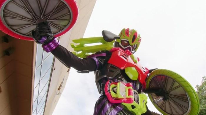 excite-subs-kamen-rider-ex-aid-04-hd-7c72d7e0-mkv_snapshot_21-44_2016-11-07_18-37-58
